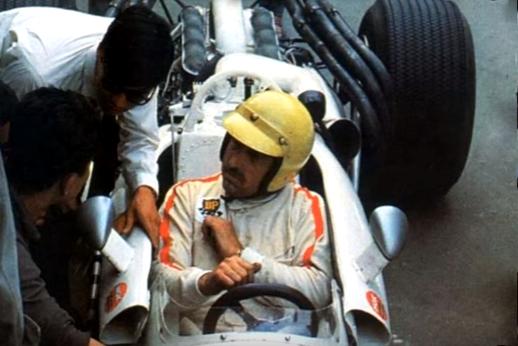 Jo Schlesser,  dans son Honda 8 cylindres avant son accident.